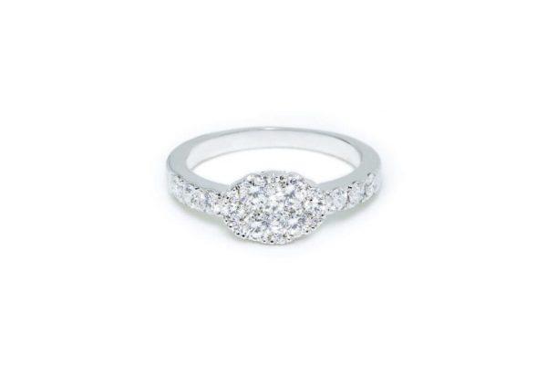 Anillo-de-oro-blanco-con-diamantes-desde-2900-euros
